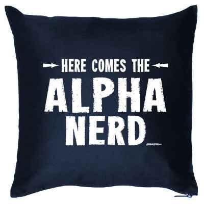 Kissenbezug: Here comes the Alpha Nerd